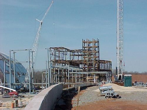 Steel for Udvar-Hazy Center entryway going up
