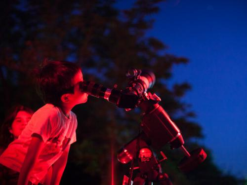 Telescopic observing draws young visitors