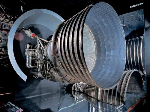 F-1 rocket engines in Apollo to the Moon