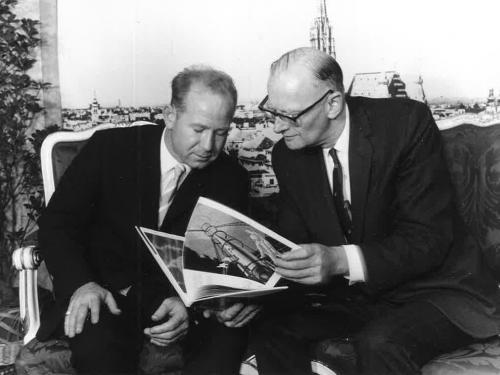 Arthur C. Clarke with Aleksei Leonov