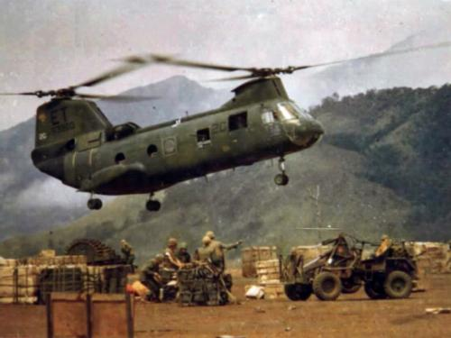 CH-46 Lands Supplies