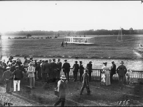1908 Wright Flyer at Le Mans