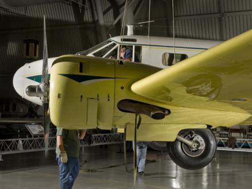 Installation of Beechcraft D18S at the Udvar-Hazy Center