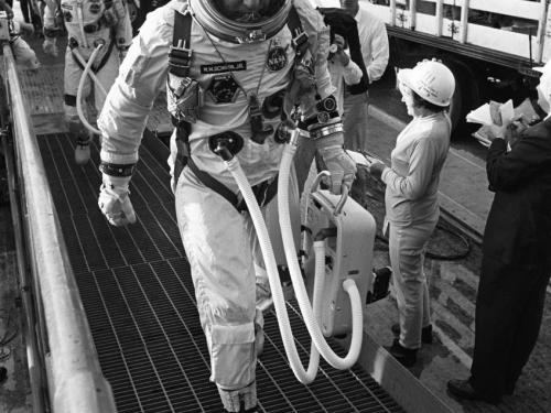 Gemini VI command pilot Wally Schirra and pilot Thomas Stafford arrive at Pad 19.