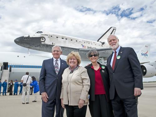 Smithsonian Welcomes Space Shuttle Discovery