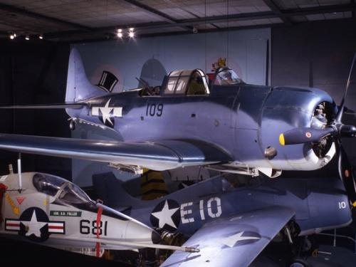 Douglas SBD-6 Dauntless