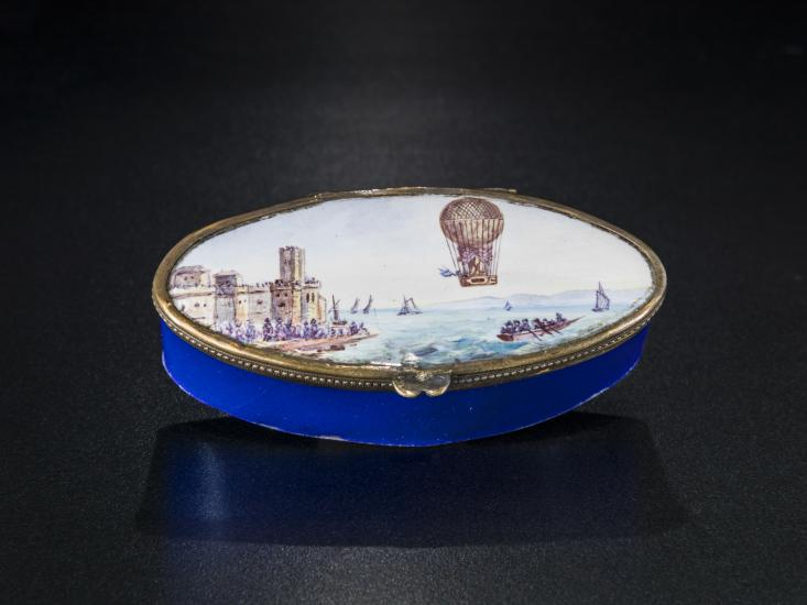 Small box from Kendall Collection