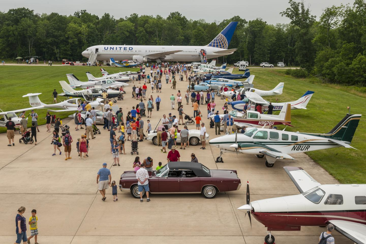 Airplanes on display outside the Udvar-Hazy Center.