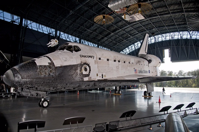 space shuttle discovery in la - photo #19