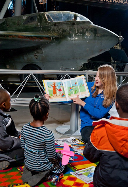 Story Time at Udvar-Hazy