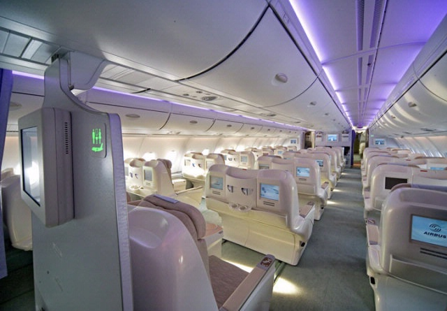 A380 interior national air and space museum for Avion airbus a380 interieur