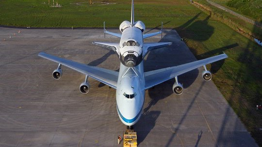 Discovery Ready to Fly to Dulles Airport