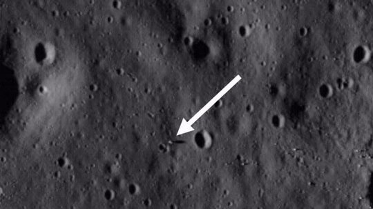 NASA LRO photo of the Apollo 11 moon landing siteSource: Smithsonian 5619_carousel1.jpg