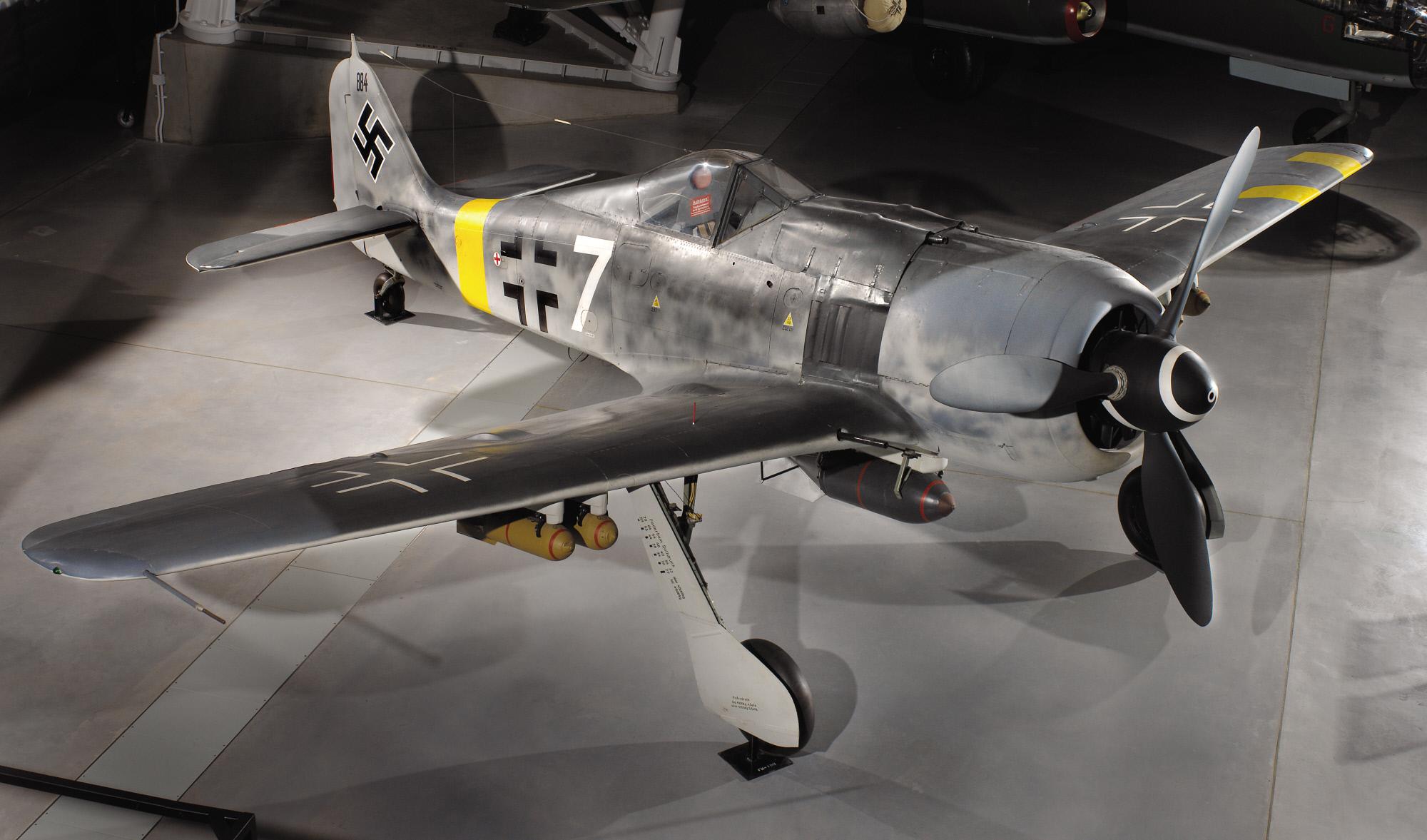 Image of : Focke-Wulf Fw 190 F-8/R1