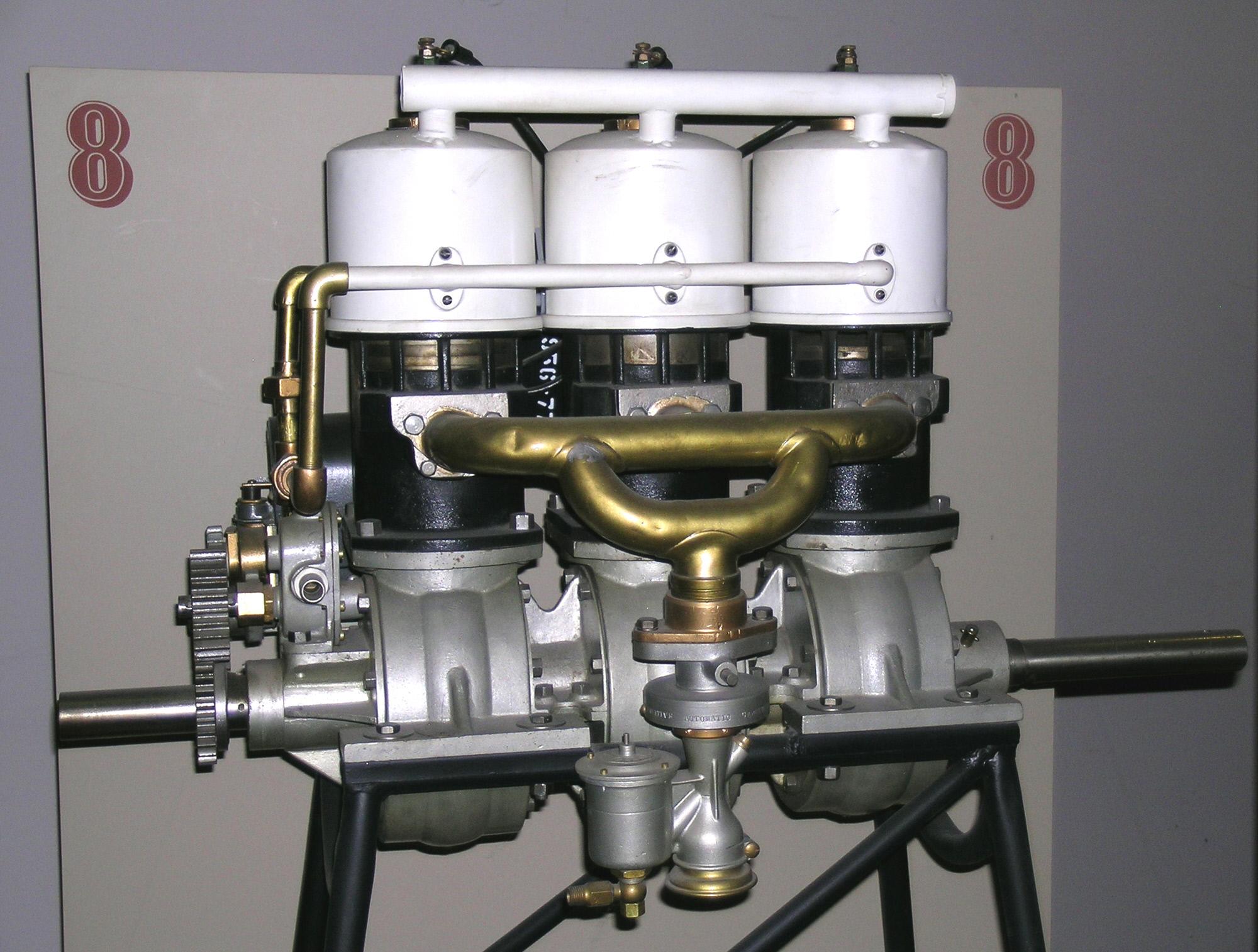 Image of : Elbridge Featherweight, In-line 3 Engine