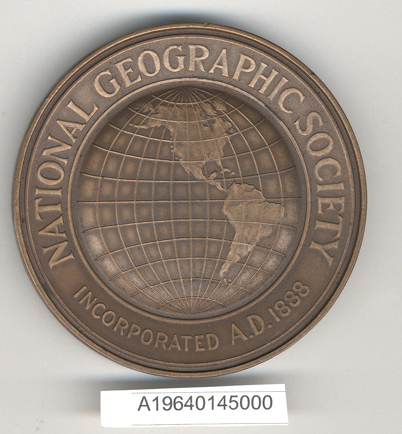 Image of : Medal, National Geographic Society Medal, Amelia Earhart