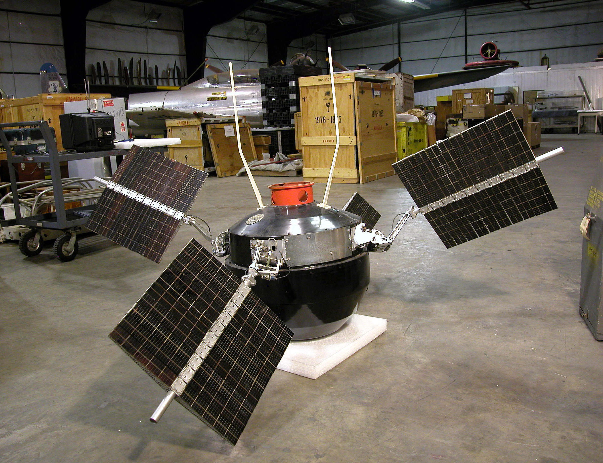 Image of : Satellite, Explorer 6, Reconstructed Replica