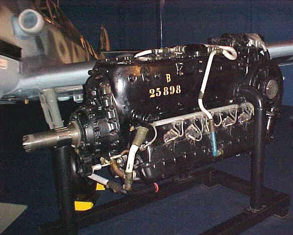 Image of : Daimler-Benz DB 605 Inverted V-12 Engine