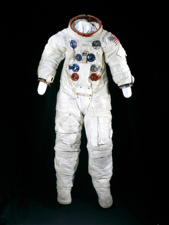 apollo 11 spacesuit weight - photo #25