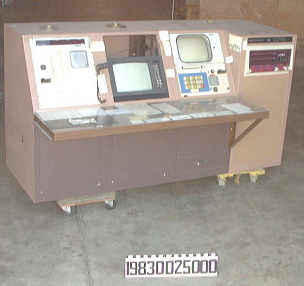 Image of : Control and Display System, Satellite, IUE