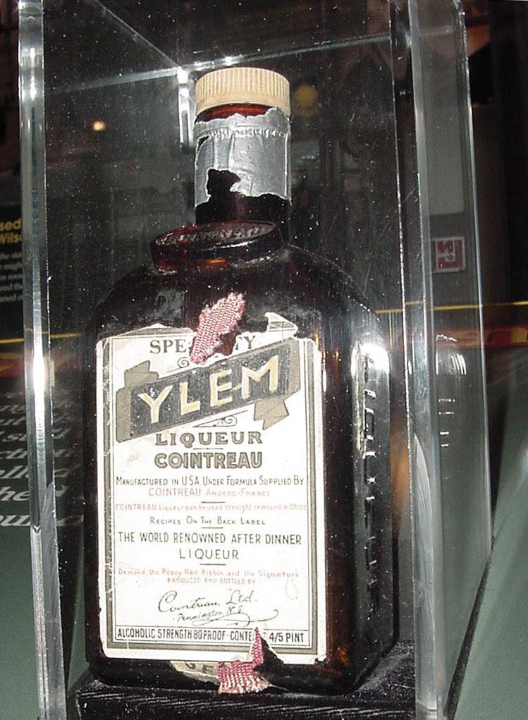 Image of : Bottle, Cointreau, YLEM