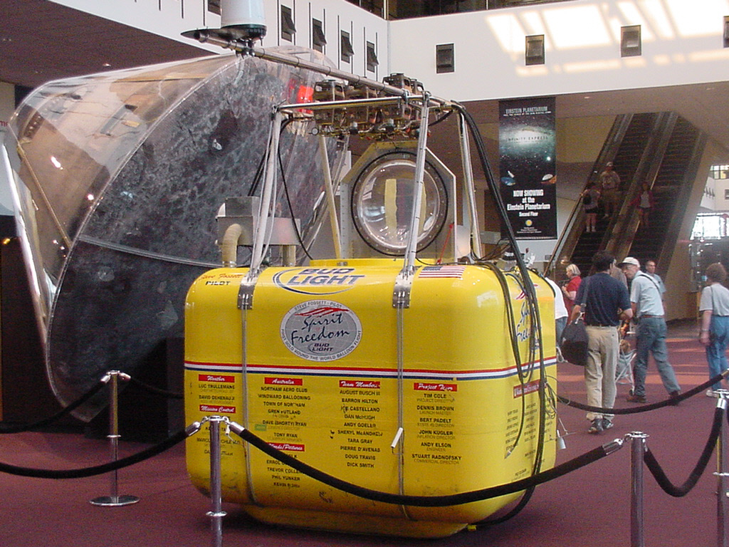 Image of : Capsule, Balloon