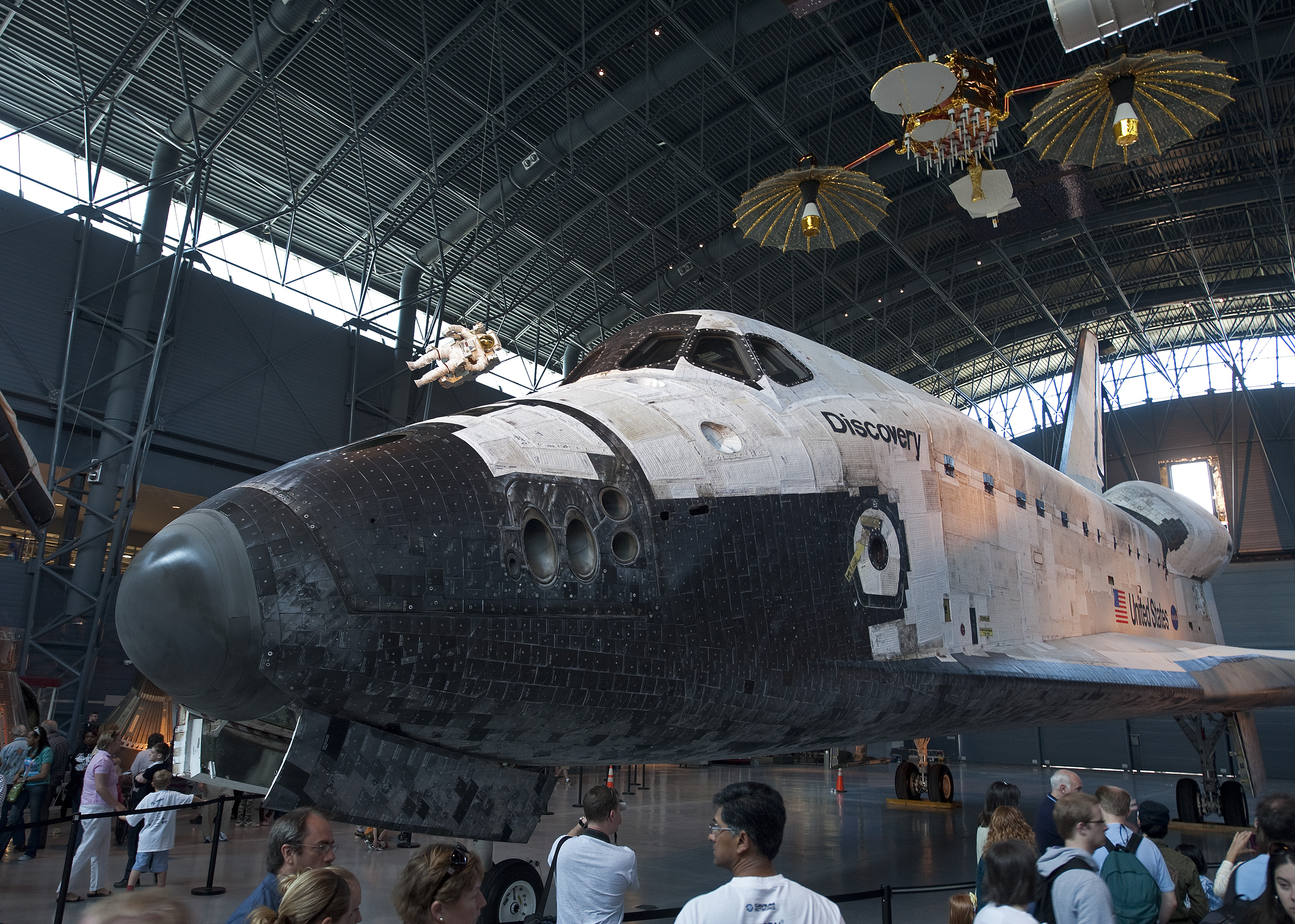 Space Shuttle Discovery on Display | National Air and ...