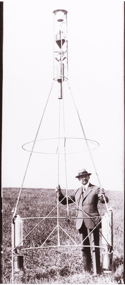 "Goddard with ""Hoopskirt"" Rocket"