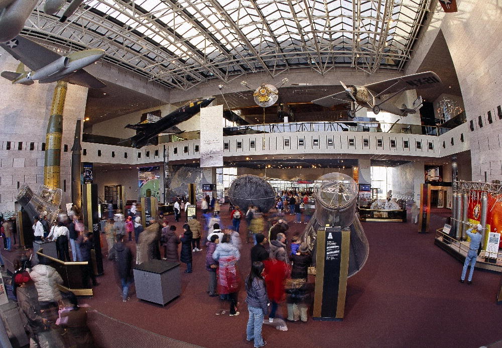 Milestones of Flight - Mall Building, Jan. 2005