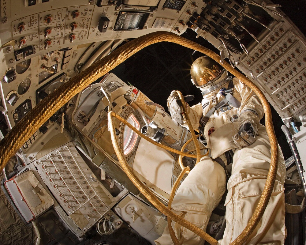inside aquarius spacecraft - photo #40