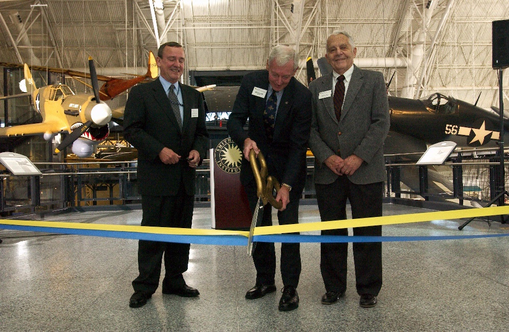 Udvar-Hazy Opening Day Ribbon Cutting