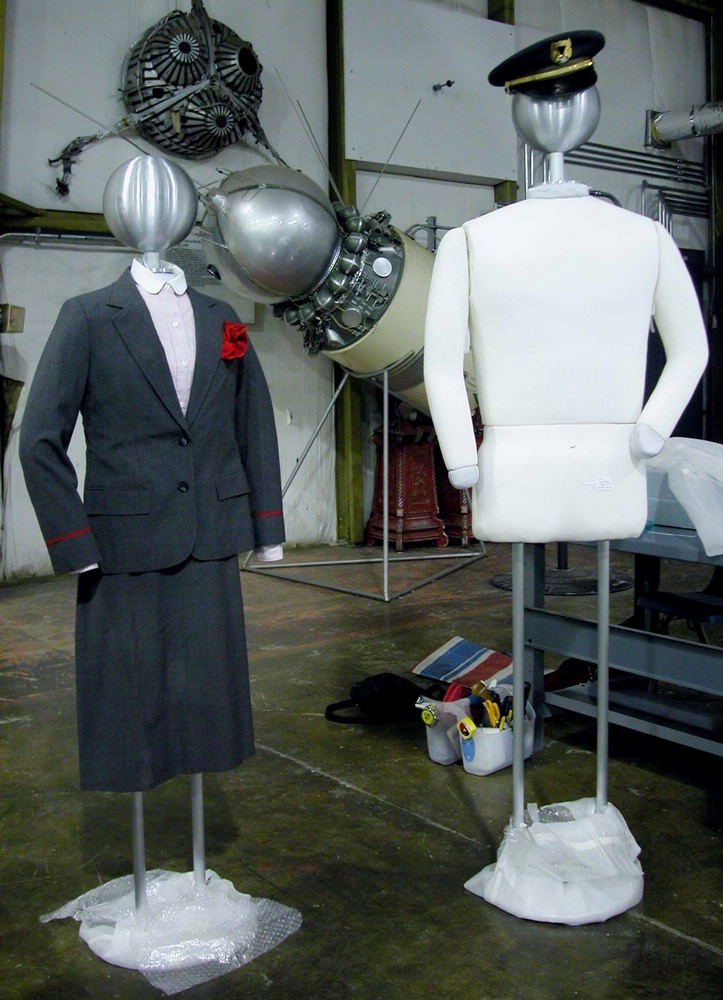 America by Air - Dressing Mannequins