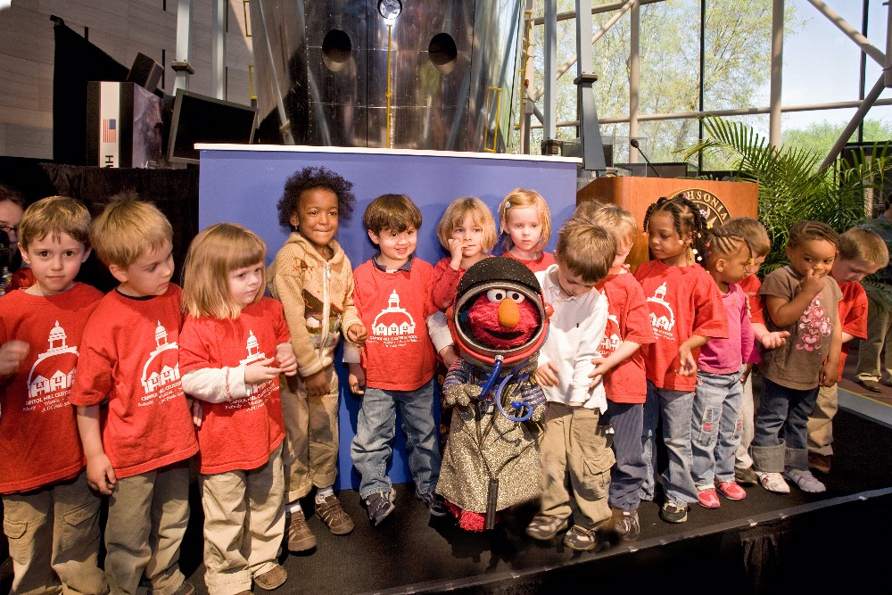 Grow Up Great with Science - school kids with Elmo