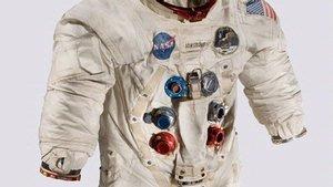 apollo 11 spacesuit weight -#main