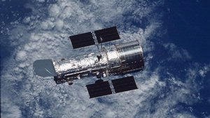 Spacecraft Hubble: Hubble Floating Free (2002)