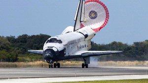 Space Shuttle <em>Discovery</em>